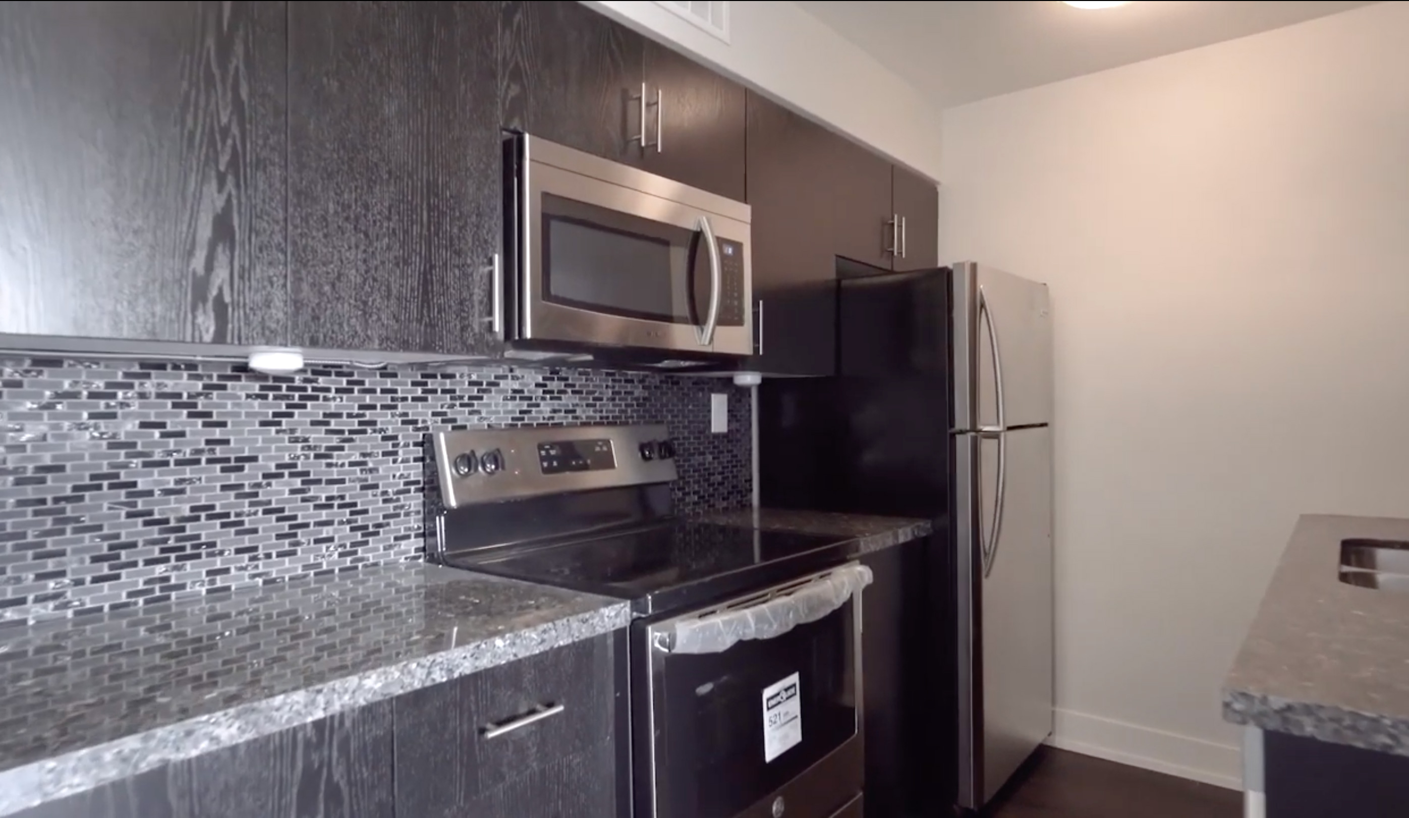 1 bedroom unit #605 – $1,275.00 June 1st, 2021 (luxuriously renovated)